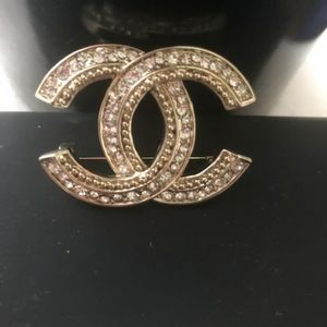 Authentic Brooch design with the Chanel double CC